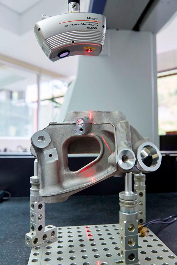 escaner-laser-en-maquina-mitutoyo