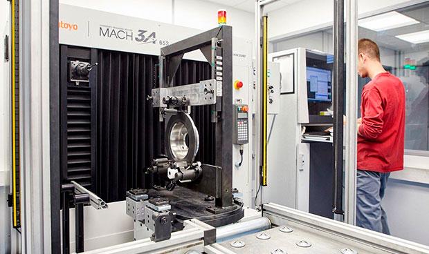 metrologia-en-produccion-maquina-tridimensional-mitutoyo-MACH-3A-Fagor-ederlan
