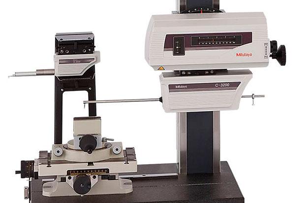 rugosimetro-perfilometro-Mitutoyo-SV-C3200S4