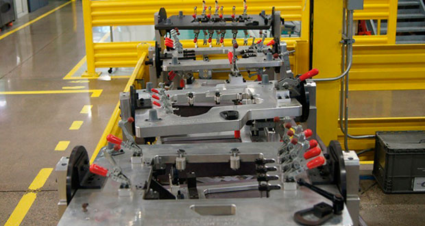 medicion-3d-de-piezas-inyectadas-plastico-con-brazo-de-medicion-kreon-en-mann-hummel