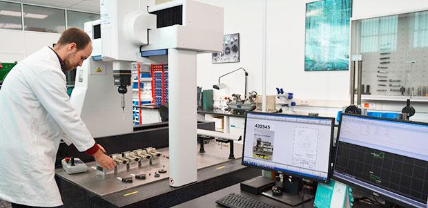 medicion-3d-en-produccion-con-crysta-apex-s-7106-mitutoyo-en-grupo-satuercas